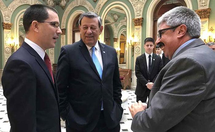 Uruguay reclama a Venezuela saldar deuda que tiene con empresas del país