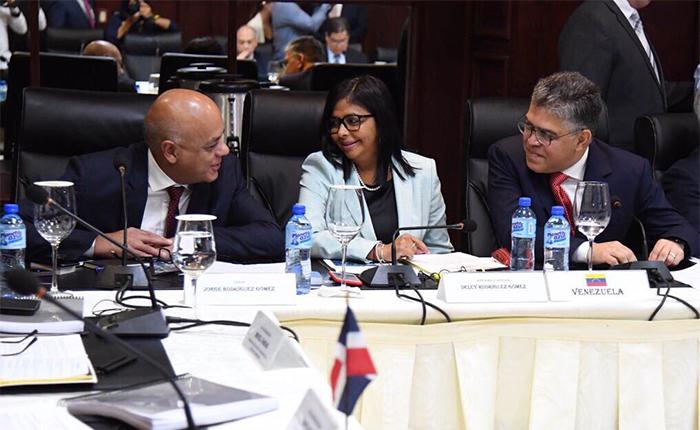 Gobierno y oposición pautan nueva jornada de diálogo para el 15 de diciembre
