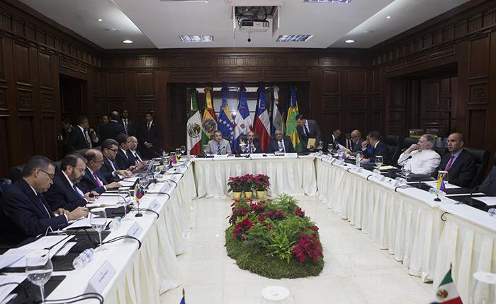 Fotos | MUD, gobierno y mediadores se sientan en mesa de diálogo en Dominicana