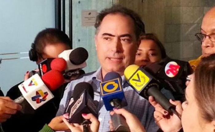 RobertoPicón-.jpg