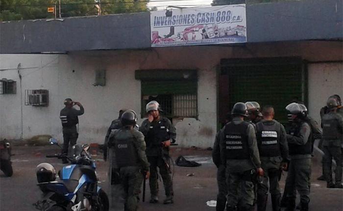 Saqueos-ciudad-bolivar-25Dic.jpg