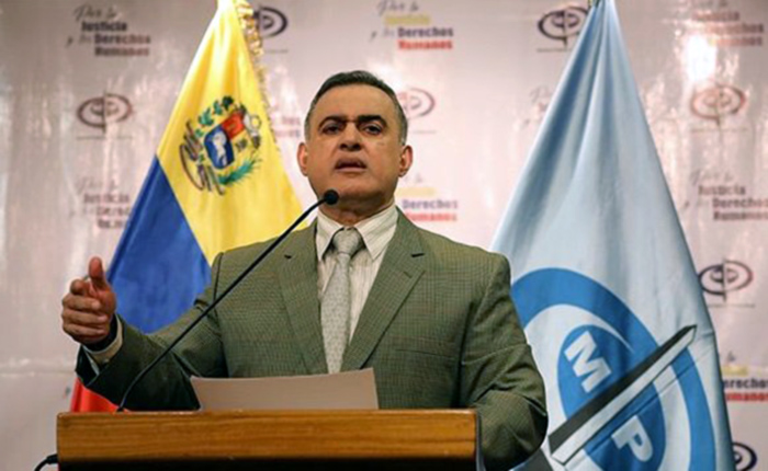 Diez días después de la masacre de El Junquito, Tarek William Saab se limitó a ofrecer condolencias a familiares de víctimas