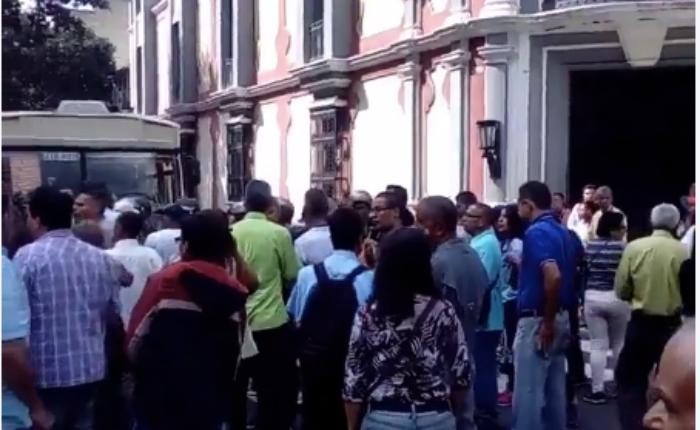 Trabajadores-Alcaldia-Metropolitana-Protesta.png