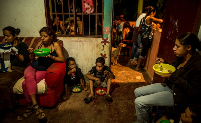 Venezuela-desnutricion3-MERIDITH-KOHUT