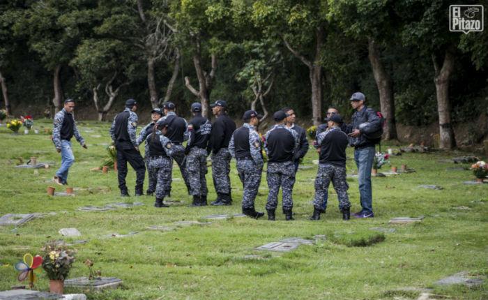 A Heyker Vásquez le rindieron honores de policía y de colectivo