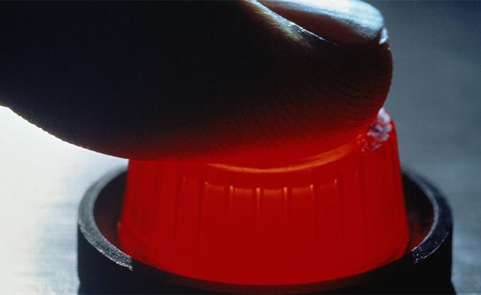 El botón rojo de Hausmann, por Armando Armas