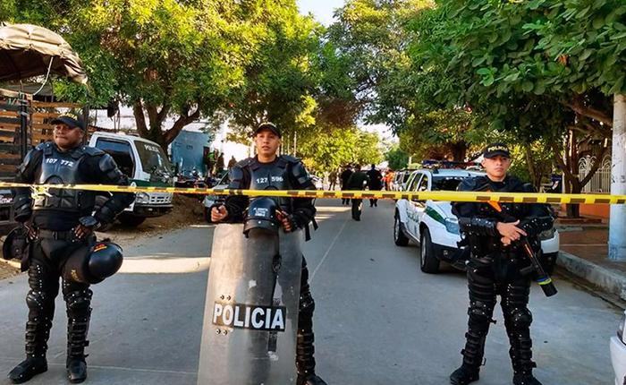 Colombia: 7 muertos y 45 heridos, luego de 3 ataques contra la policía en menos de 24 horas