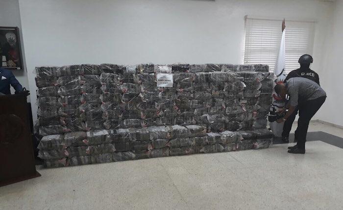 Detienen a venezolanos durante decomiso de 1.500 paquetes de droga en Dominicana