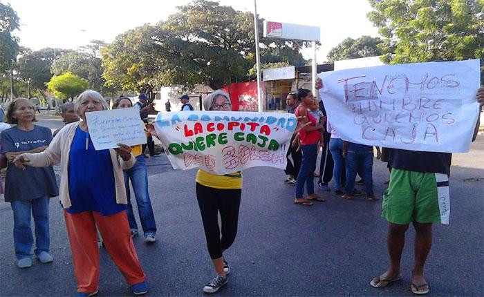 Protestan en Cumaná por escasez de alimentos y cajas CLAP