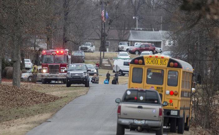 Dos muertos y catorce heridos dejó tiroteo en escuela de Kentucky