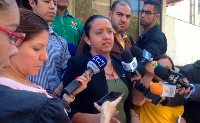 Gaby Arellano: Hemos solicitado a la ONU un corredor humanitario en las fronteras