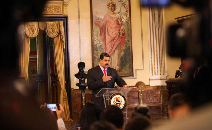 Maduro desestima eventual embargo petrolero de EEUU