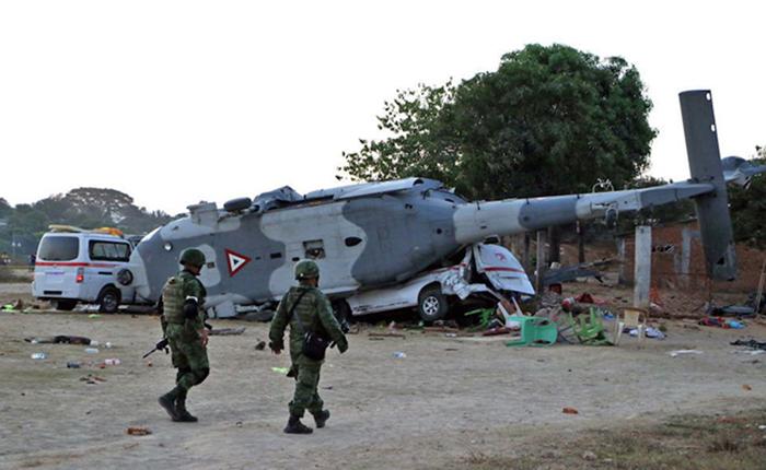 13 muertos en accidente de helicóptero en México