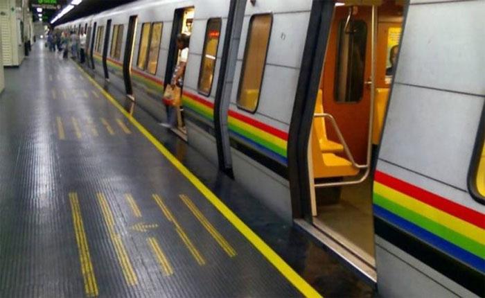 Metro de Caracas evalúa aumento de pasaje tras liberar los torniquetes