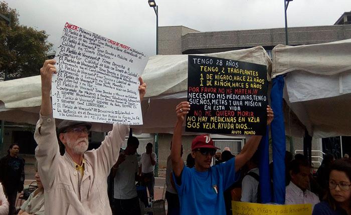 La batalla en Venezuela para morir de viejo y no por falta de medicinas