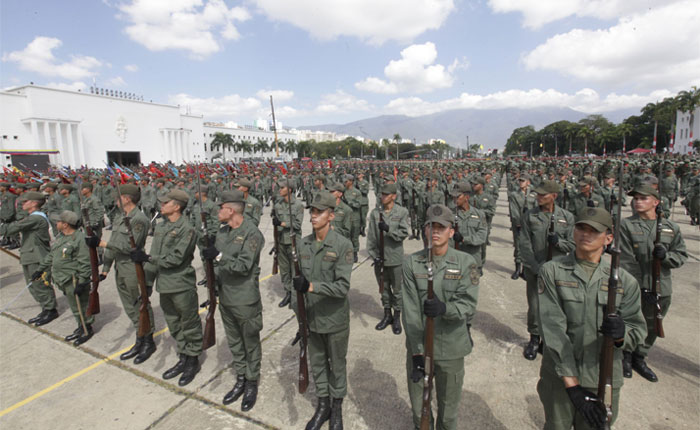 Había una vez una Fuerza Armada …, por Carlos Blanco