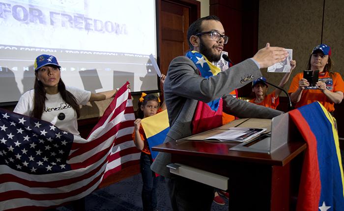 Estratega del Petro solía ser pasante en el Congreso de EEUU y pidió sanciones para Venezuela