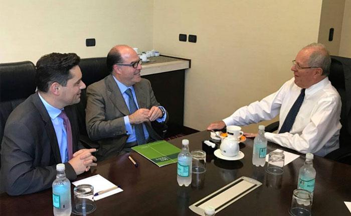 Borges y Vecchio se reunieron con Kuczynski en Chile