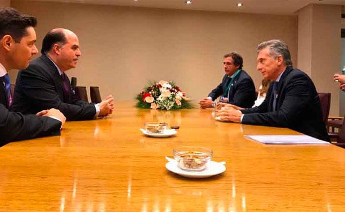 Borges y Vecchio se reunieron con Mauricio Macri en Chile