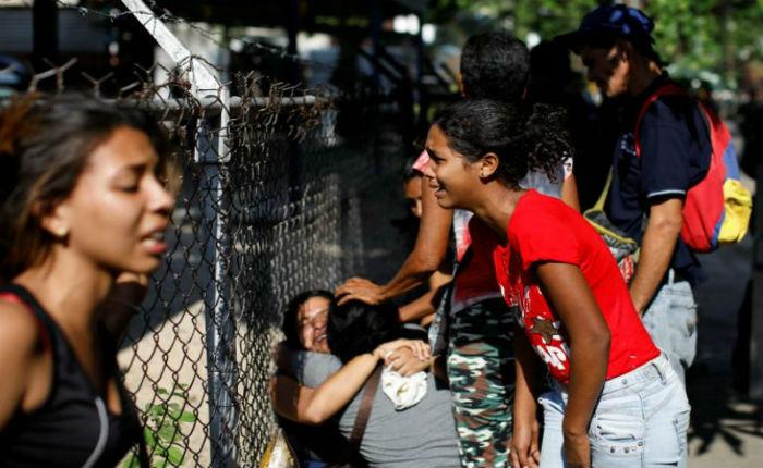 Familiares exigen justicia por muerte de 68 presos en Carabobo