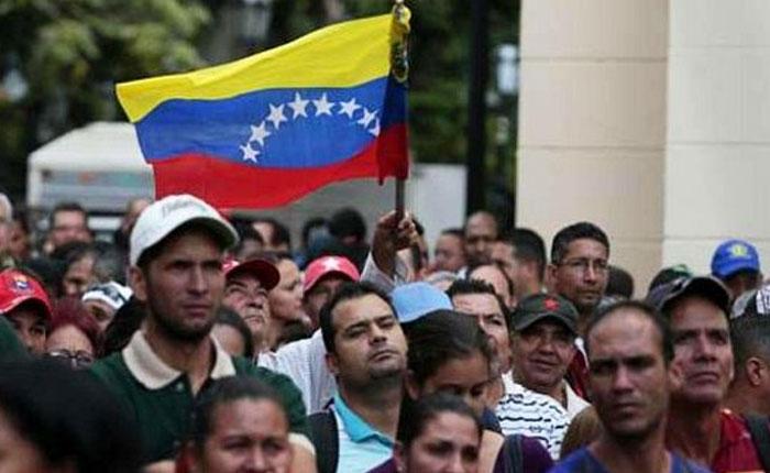 De 115.000 venezolanos en Perú, solo 31.000 tienen Permiso Temporal de Permanencia