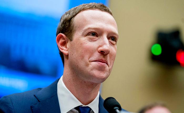 Zuckerberg promete cambios en Facebook mientras el Congreso de EE.UU. exige regulación
