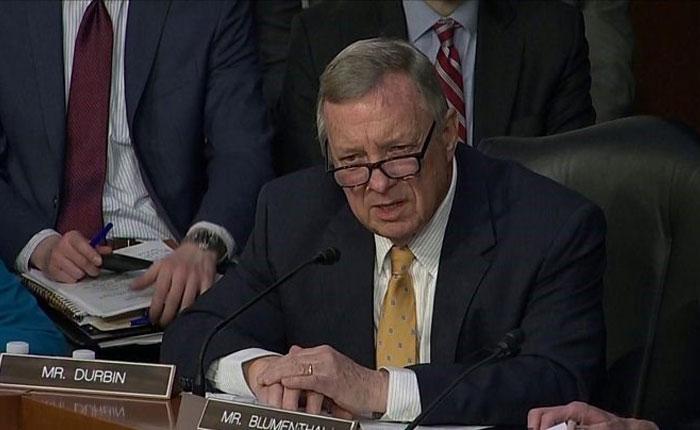 Senador de EEUU dice que en Venezuela vio un país al borde del precipicio