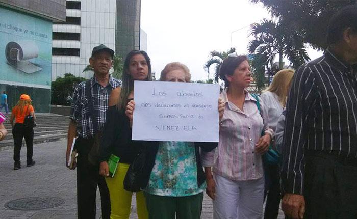 Jubilados consignaron petición de ayuda humanitaria al PNUD