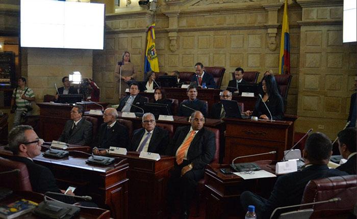 TSJ en el exilio recibió acta firmada por el Parlamento para continuar antejucio de mérito contra Maduro