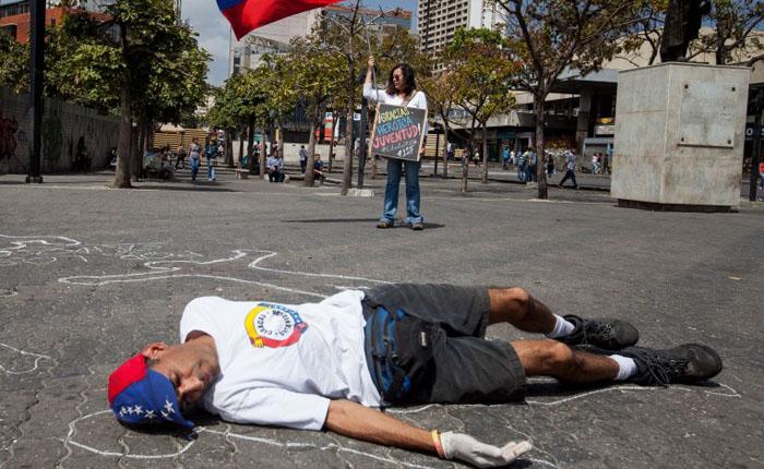 """EEUU acusó al régimen chavista de llevar a cabo """"torturas y asesinatos extrajudiciales para consolidar"""" a Maduro"""