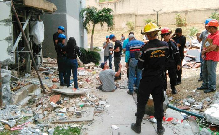Tres semanas en la calle tienen 20 familias de Valencia afectadas por explosión de gas