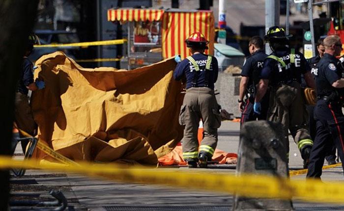FOTOS Arrollamiento masivo en Toronto deja 9 muertos