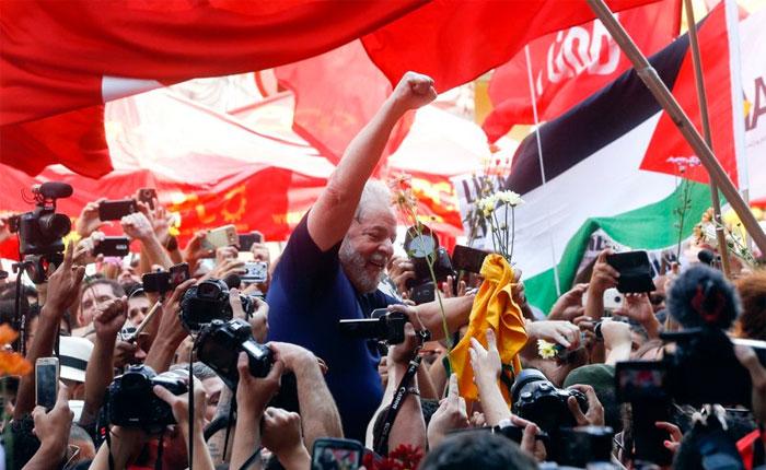 Brasil: Lula da Silva se entregará pero insiste en su inocencia