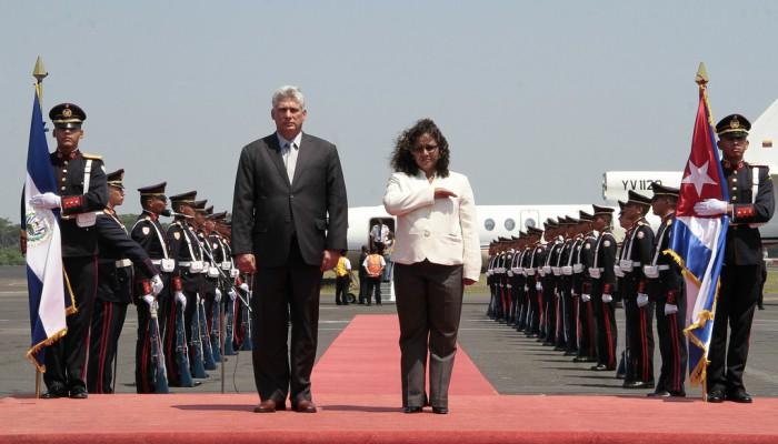 Miguel Díaz-Canel es elegido nuevo presidente de Cuba en sustitución de Raúl Castro
