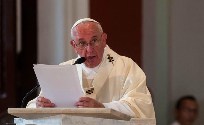 Papa Francisco pide solución a la crisis de Venezuela