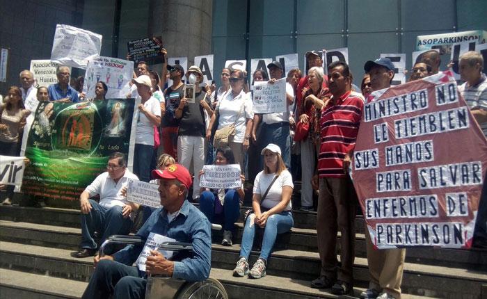 Pacientes de Parkinson: En Venezuela estar enfermo es una sentencia de muerte