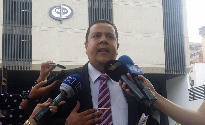 Denuncian que las FARC y ELN hacen campaña electoral por Maduro en Venezuela