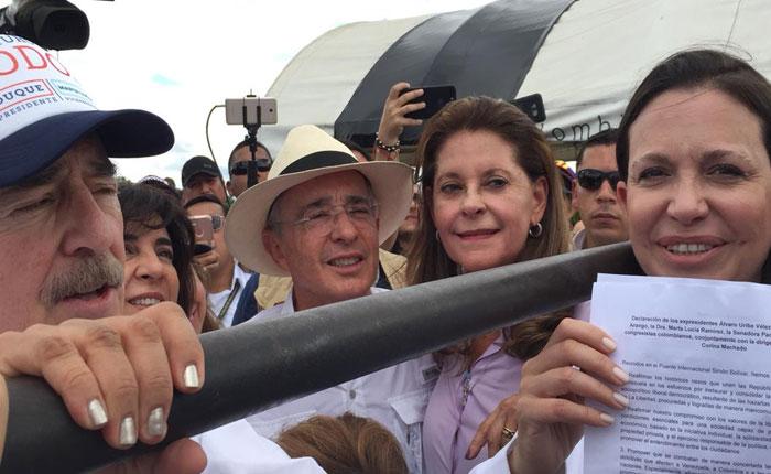 María Corina Machado se reunió con Pastrana y Uribe en la frontera