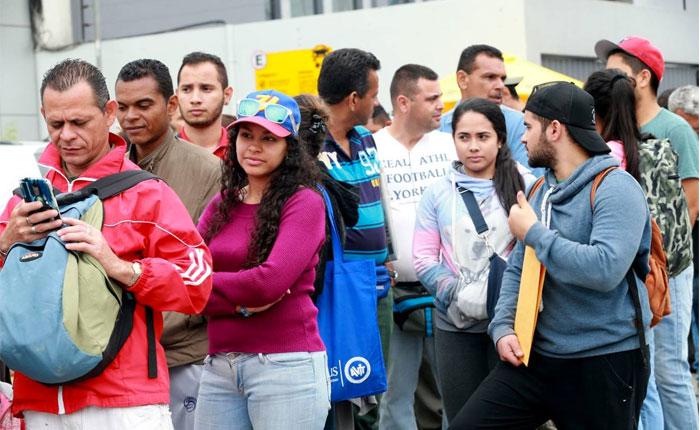 Migraciones de Perú atenderá 24 horas ante la masiva llegada de venezolanos