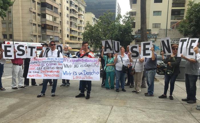 Pacientes crónicos protestaron por escasez de medicamentos