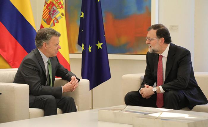 """Santos y Rajoy piden solución """"plenamente democrática"""" para Venezuela"""