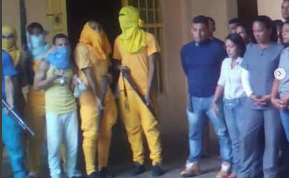 Al menos 40 rehenes en dos motines en cárceles venezolanas