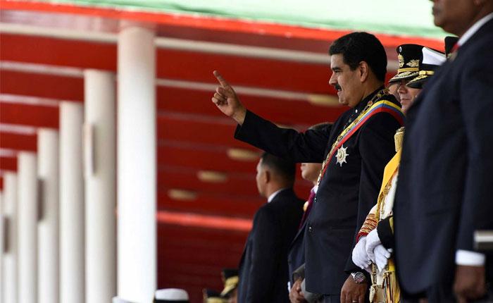 MaduroSaludando.jpg