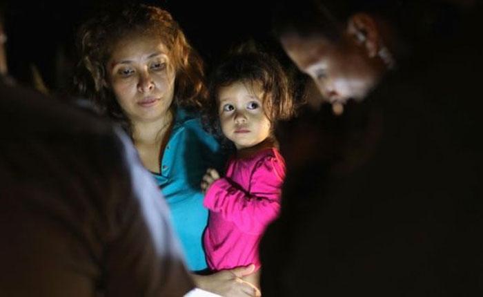 EEUU inicia entrega de niños inmigrantes que habían sido separadas de sus familias