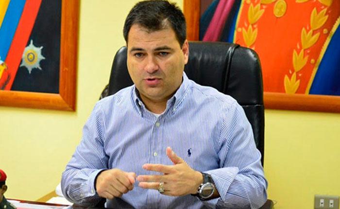 Maduro destituyó a Luis López y nombró a Carlos Alvarado como nuevo ministro de salud