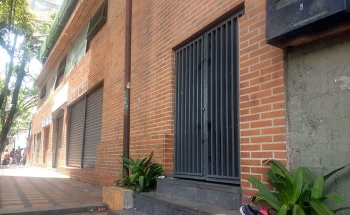 puertaentrada_loscotorros.jpg