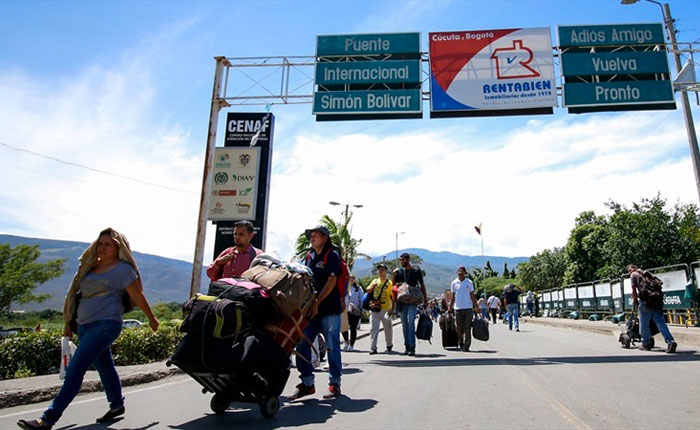 Más de 70 mil venezolanos entran y salen de Colombia por el Puente Internacional Simón Bolívar