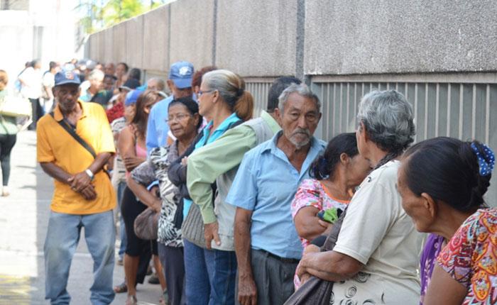 Pensión = vejación, por José Domingo Blanco