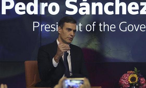 "Sánchez ofrece España como país ""facilitador"" para una solución en Venezuela"