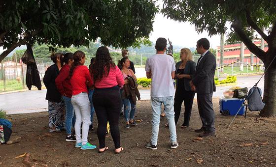 Alfredo-Romero-y-Familiares-de-los-detenidos.png